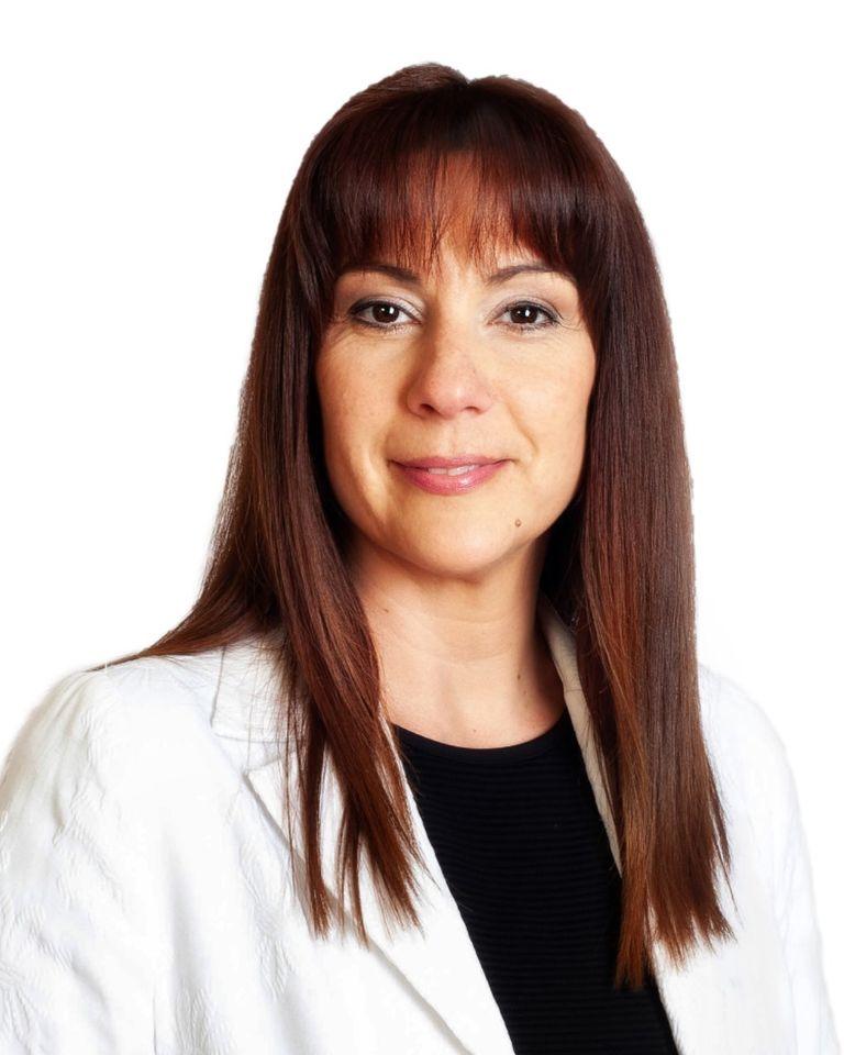 Sra. Núria Escarpanter Olivet